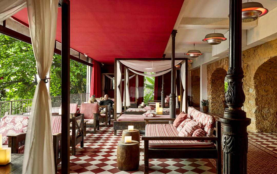 La terrasse tropicale de l'Hôtel Santa Teresa by MGallery à Rio de Janeiro