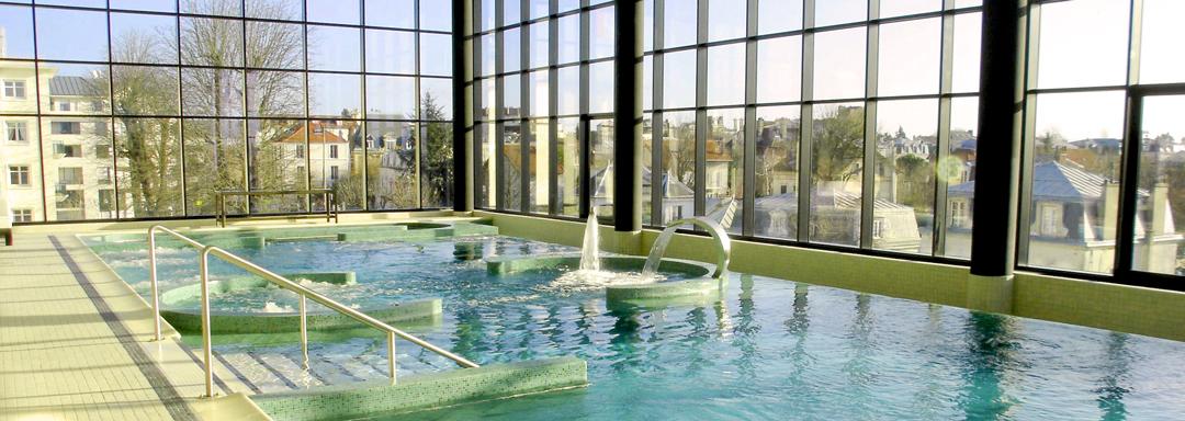 Nager à l'Hôtel Barrière Enghien-les-Bains
